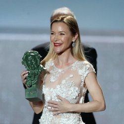 María Esteve recoge el Goya de Honor de Marisol en los Goya 2020