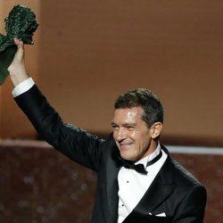 Antonio Banderas al recibir su Goya 2020 a Mejor Actor