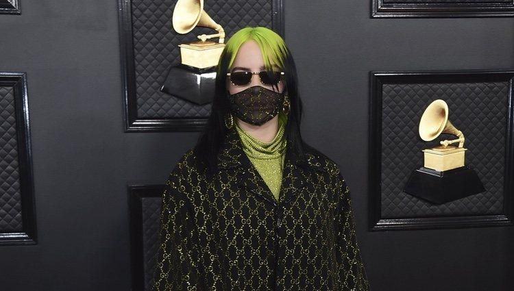 Billie Eilish en la alfombra roja de los Premios Grammy 2020