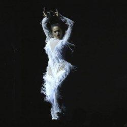 Rosalía actuando en los Premios Grammy 2020