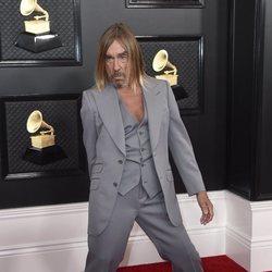 Iggy Pop en la alfombra roja de los Premios Grammy 2020