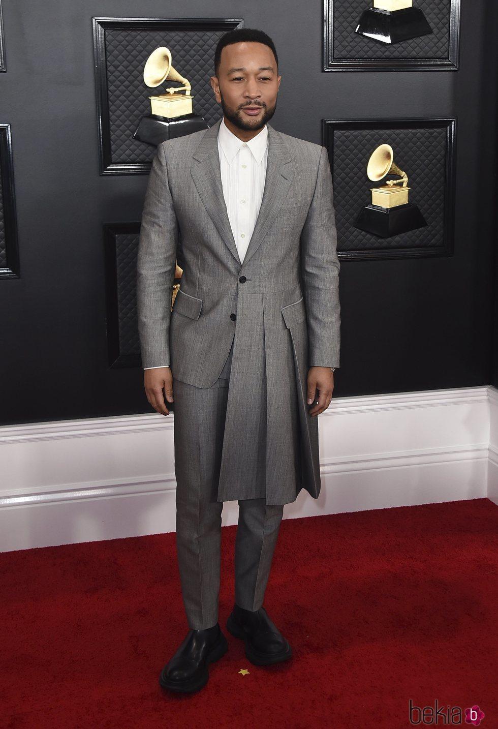 John Legend en la alfombra roja de los Premios Grammy 2020