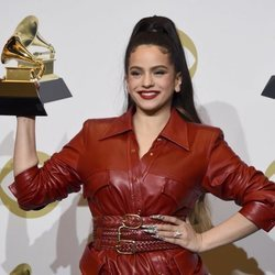 Rosalía con su Grammy 2020