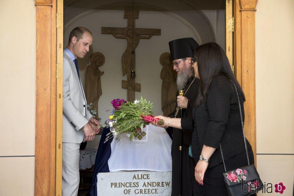 El Príncipe Guillermo visita la tumba de la Princesa Alicia de Grecia, su bisabuela