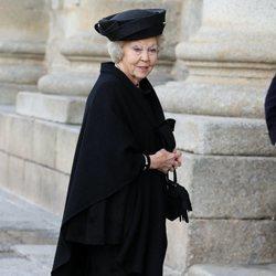 La Princesa Beatriz de Holanda en el funeral de la Infanta Pilar en El Escorial