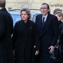 Simoneta Gómez-Acebo y Fernando Gómez-Acebo en el funeral de la Infanta Pilar en El Escorial