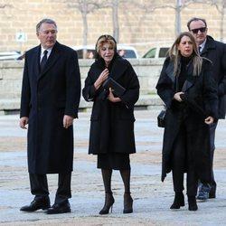 La Baronesa Thyssen con José María Michavilla en el funeral de la Infanta Pilar en El Escorial