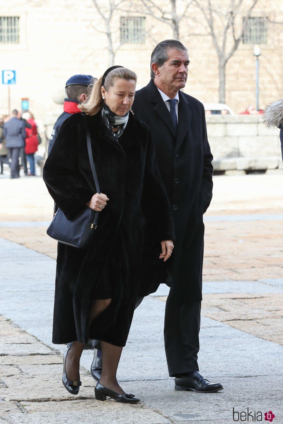 Cristina Borbón dos Sicilias y Pedro López Quesada en el funeral de la Infanta Pilar en El Escorial