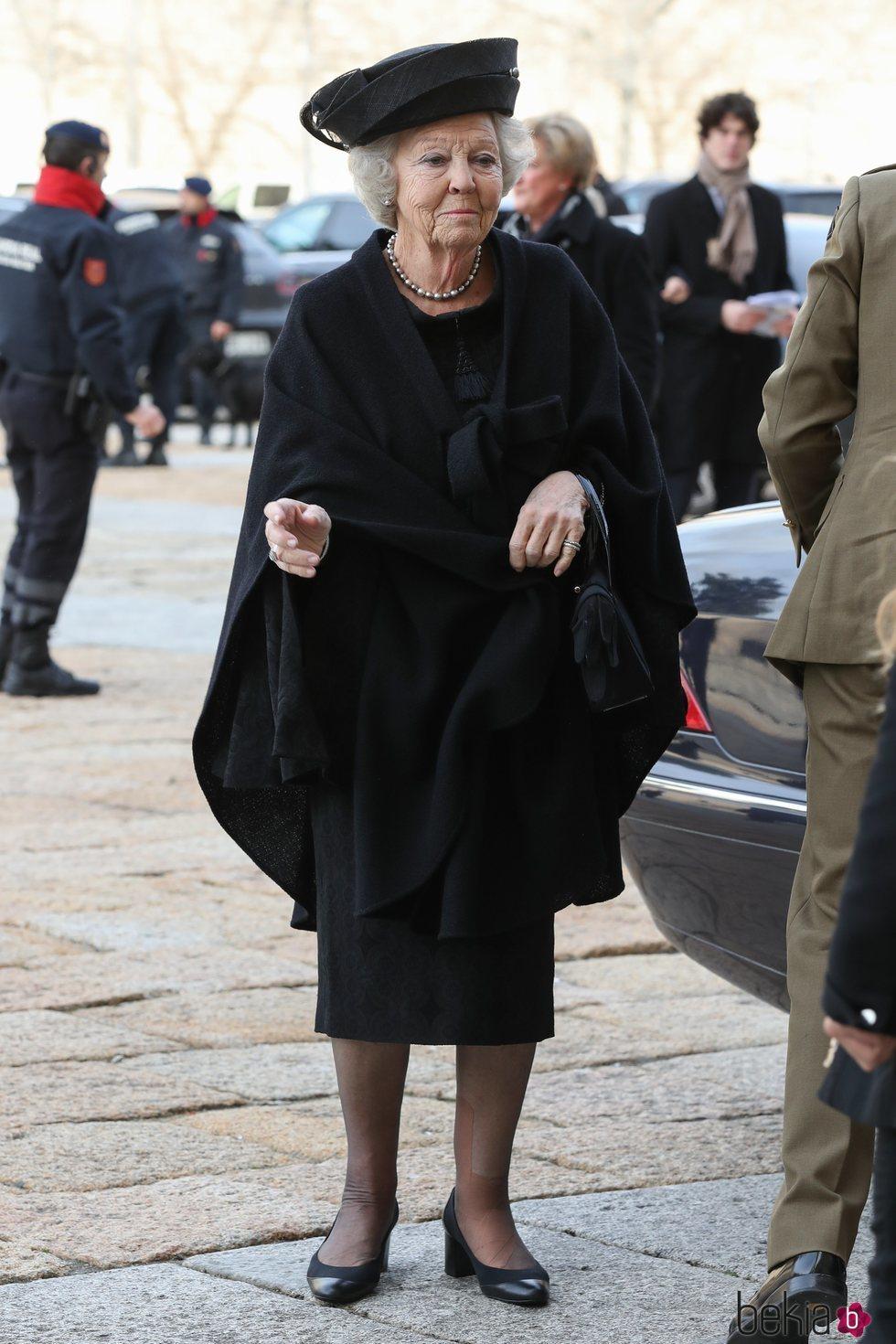 La Princesa Beatriz de Holanda asiste al funeral de la Infanta Pilar en El Escorial