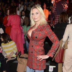 Yola Berrocal en el desfile de otoño/inviero 2020-2021 de Ágatha Ruiz de la Prada de Madrid Fashion Week