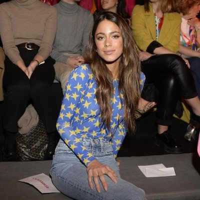 Tini Stoessel desfile de otoño/invierno 2020-2021 de Ágatha Ruiz de la Prada en la Madrid Fashion Week