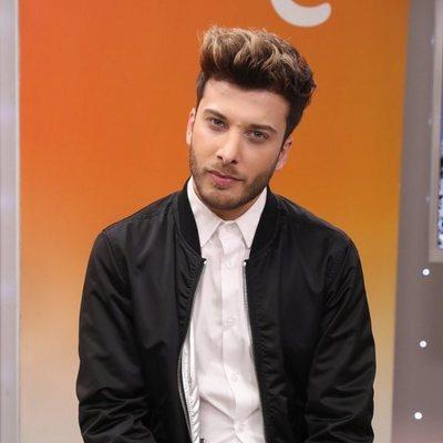 Blas Cantó posa sonriente en la presentación de la canción 'Universo', tema para Eurovisión 2020
