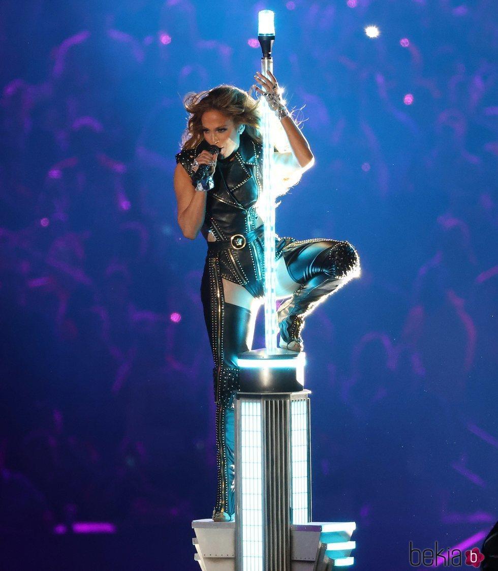 Jennifer Lopez durante su actuación en la Super Bowl 2020