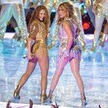 Shakira y Jennifer Lopez actuando en la Super Bowl 2020