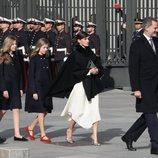 Los Reyes Felipe y Letizia, La Princesa Leonor, la Infanta Sofía y el Presidente Pedro Sánchez en la Apertura de la XIV Legislatura