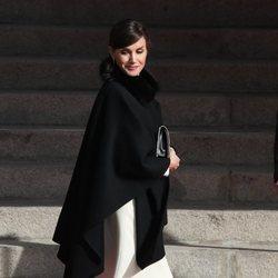 La Reina Letizia llegando a la Apertura de la XIV Legislatura