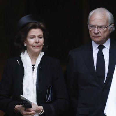 Los Reyes Silvia y Carlos Gustavo de Suecia en el funeral de Dagmar von Arbin