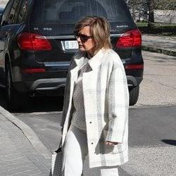 María Teresa Campos viendo pisos por Madrid