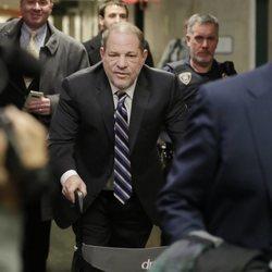 Harvey Weinstein llegando a la Corte de Nueva York en el día 11 del juicio contra él