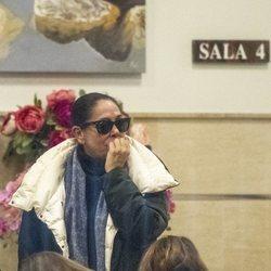 Isabel Pantoja en la capilla ardiente de la madre de Irene Rosales