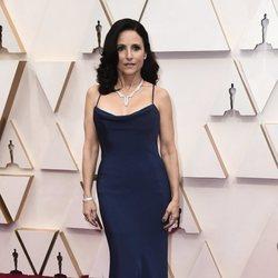 Julia Louis-Dreyfus en la alfombra de los Oscar 2020
