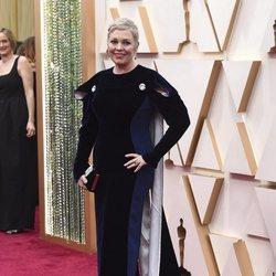 Olivia Colman en la alfombra de los Oscar 2020