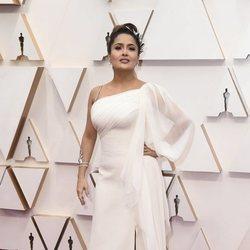 Salma Hayek en la alfombra de los Oscar 2020