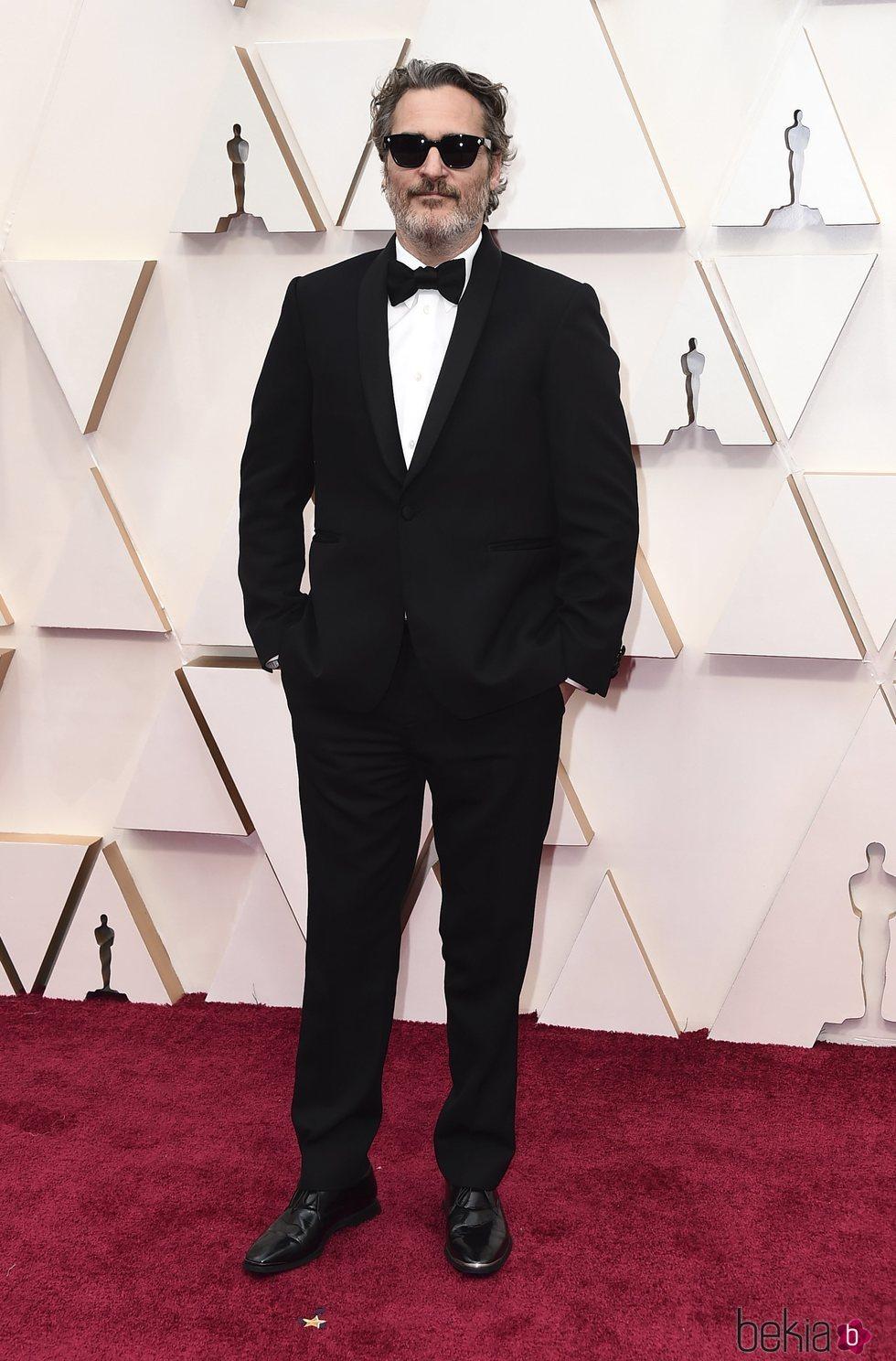 Joaquin Phoenix en la alfombra de los Oscar 2020