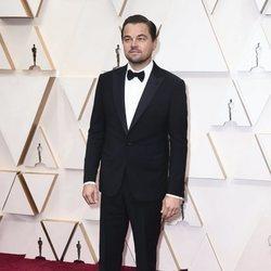 Leonardo DiCaprio en la alfombra de los Oscar 2020