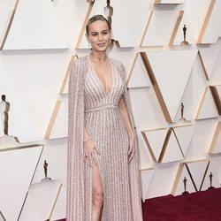 Brie Larson en la alfombra de los Oscar 2020