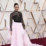 Gal Gadot en la alfombra de los Oscar 2020
