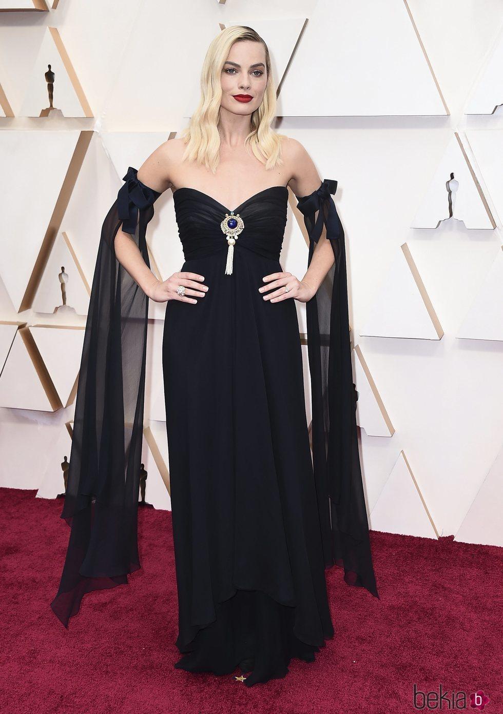 Margot Robbie en la alfombra roja de los Oscar 2020