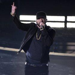 Eminem actuando en los Premios Oscar 2020