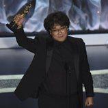Bong Joon-ho tras recibir el premio a Mejor dirección en los Oscar 2020