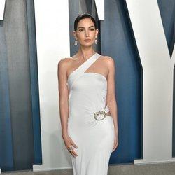 Lily Aldridge en la fiesta de Vanity Fair tras los Oscar 2020