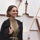 Natalie Portman luciendo un Dior en la alfombra roja de los Oscar 2020