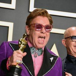 Elton John feliz tras ganar el Oscar 2020 a 'Mejor Canción Original'