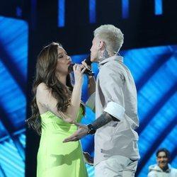 Eva Barreiro y Hugo Cobo durante su actuación en la Gala 4 de 'OT 2020'