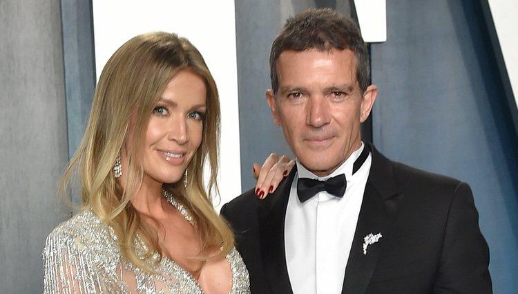 Antonio Banderas y Nicole Kimpel en la fiesta de Vanity Fair tras los Oscar 2020