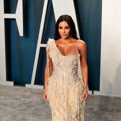 Kim Kardashian en la fiesta de Vanity Fair tras los Oscar 2020