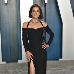 Michelle Rodriguez en la fiesta de Vanity Fair tras los Oscar 2020