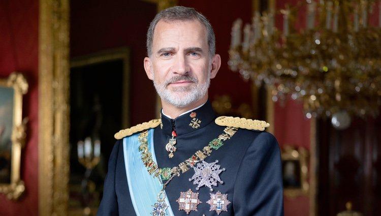 Retrato oficial de gala del Rey Felipe