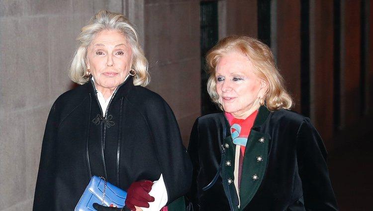 Beatriz de Orleans acudiendo a la misa funeral en memoria de la Infanta Pilar