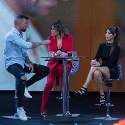 Fani Carbajo y Rubén Sánchez discuentiendo durante 'El debate final de las tentaciones'