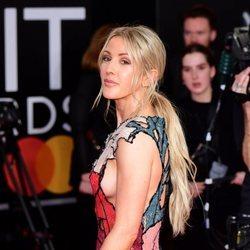 Ellie Goulding en la alfombra roja de los Brit Awards 2020