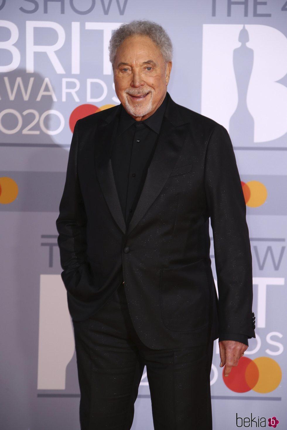 Tom Jones en la alfombra roja de los Brit Awards 2020