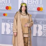 Billie Eilish en la alfombra roja de los Brit Awards 2020
