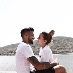 Ezequiel Garay y Tamara Gorro, muy románticos disfrutando de unas vacaciones