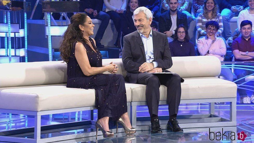 Isabel Pantoja con Carlos Sobera en 'Volverte a ver'