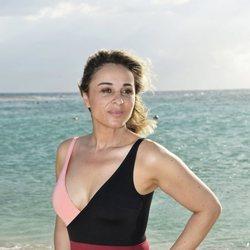 Ana María Aldón en la playa en la foto oficial de 'Supervivientes 2020'